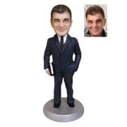 Подарок бизнесмену по фото «Яркая личность» 20см. - фото 1