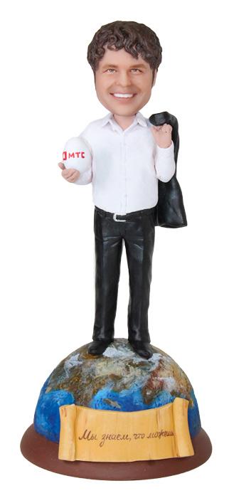 """Портретная статуэтка мужчине """"Лучший менеджер"""", 20 см. от 20 700 руб"""