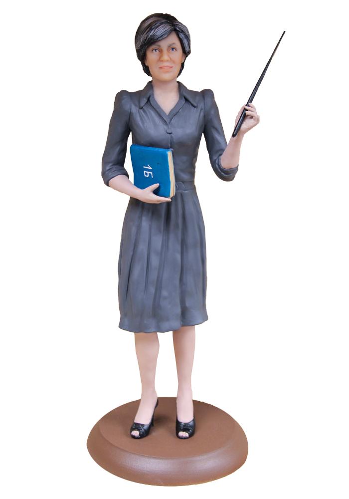 """Портретная статуэтка женщине """"Учительница первая моя"""", 30 см от 26 800 руб"""