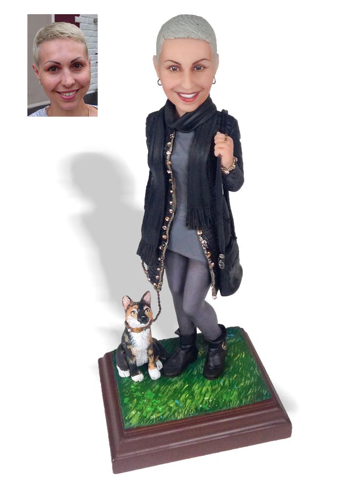 """Портретная статуэтка подруге """"С любимой кошкой"""", 30 см от 29 300 руб"""